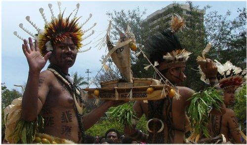 reinas de la belleza identitaria en Port Moresby
